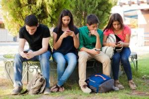 telephone portable adolescent colonie de vacances